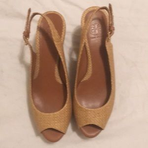 TORY BURCH WEDGE SIZE 7.5